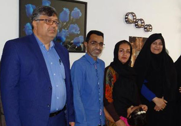 دیدار و عیادت مدیرکل فرهنگ و ارشاد اسلامی گلستان با همکار آزادشهری