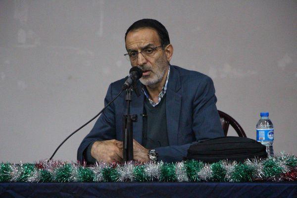 دست های پشت پرده مانع از اصلاح قانون نظام بانکی شده است/نماینده ای که با پول و پلو وارد مجلس شود در تراز انقلاب اسلامی نیست