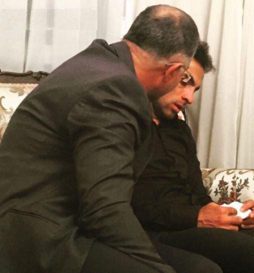 عکس/ بهادر عبدی در اولین شبِ بدون پدر و مادرش