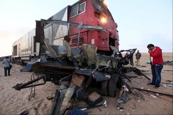 فیلم/ برخورد مرگبار قطار با کامیون!