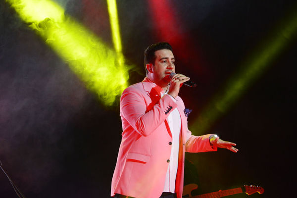 برگزاری کنسرت امید حاجیلی در گرگان