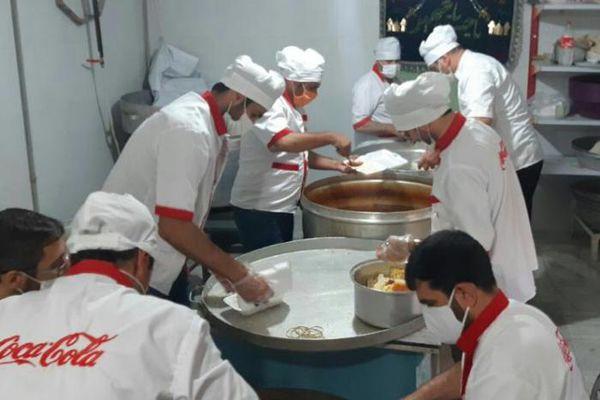 ۲ هزار پرس غذای گرم در شب شهادت امام جواد (ع) توزیع شد