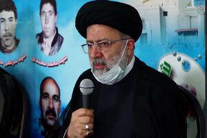 فیلم/ قطع برنامه و تکریم خانواده شهید توسط رئیس قوه قضائیه