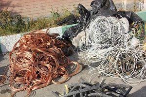 سارق کابلهای برق گنبد کاووس در دام پلیس افتاد