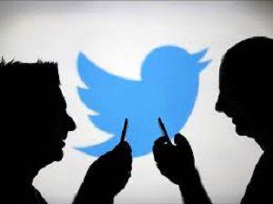 توئیتر اطلاعات کاربرانش را فروخت