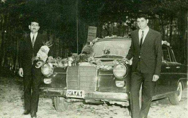 داماد و ماشین عروس در دهه ۴۰ + عکس