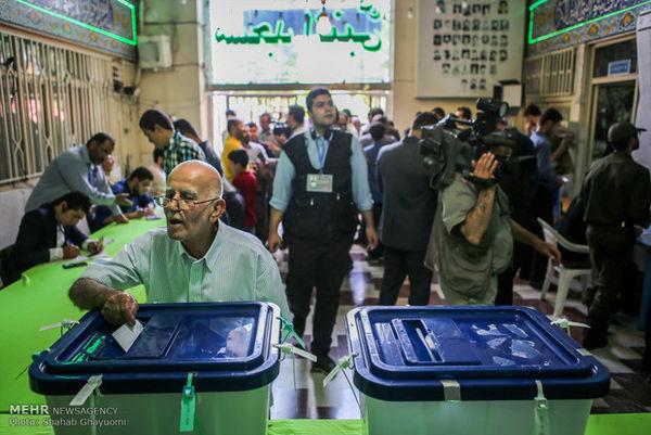 شرکت باشکوه در انتخابات باعث قدردانی از خون شهداست