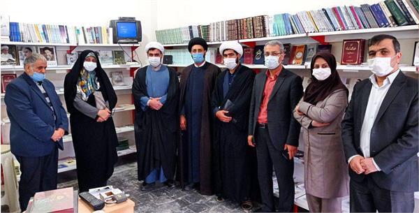 عادله کشمیری از دفتر نمایندگی موسسه تنظیم و نشر آثار امام خمینی(ره) در گلستان بازدید کرد