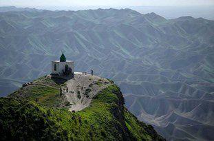 عدم ظرفیت بقعه و گورستان «خالد نبی» برای پذیرش بازدیدکنندگان