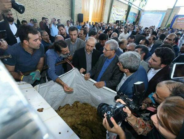 افتتاح واحد تولیدی فرآوری کاغذ در استان