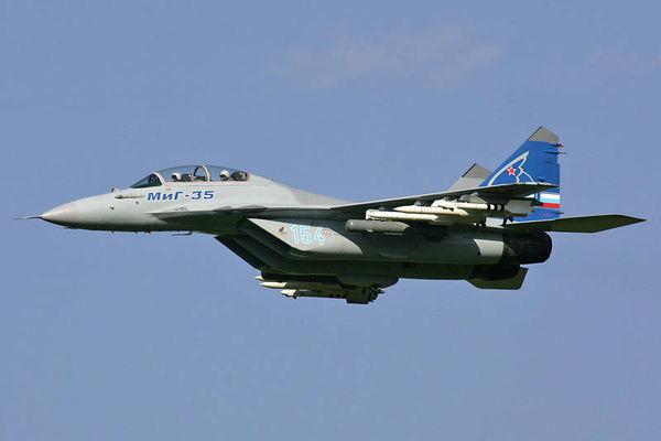 فیلم/ پرواز جنگندههای روس بر فراز کرملین