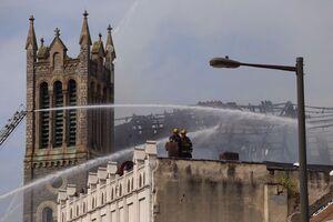 """فیلم/ آتشسوزی در کلیسای جامع """"نانت"""" فرانسه"""