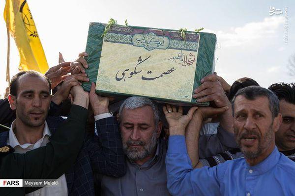 عکس/ تشییع پیکر شهید مدافع حرم عصمت شکوهی