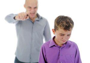 11 رفتاری که نباید جلوی چشم کودکان انجام داد