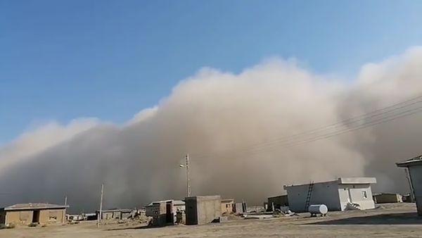 فیلمی از هجوم ریزگردها به شمال گلستان