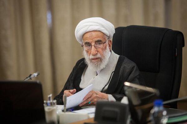 حضور آیت الله جنتی برای بررسی طرح سه فوریتی «انتقام سخت» در مجلس