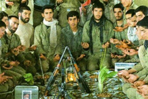 عکس/ لحظه تحویل سال در جبهه