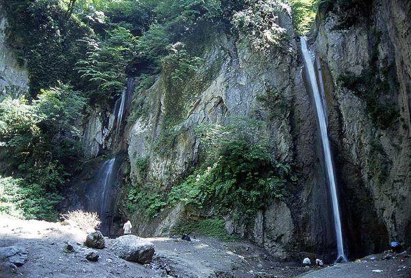 آبشار زیارت در انتظار نگاهی از سوی مسئولین