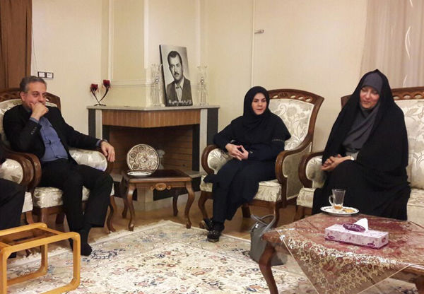 دیدار با خانواده شهید علاء الدین به یاد شهدای ٥ آذر گرگان