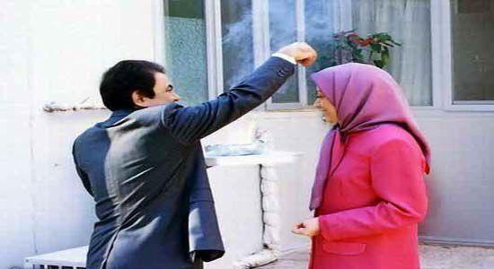 رجوی عکس خود را به گردن زنها می انداخت و به آنها تجاوز می کرد!