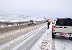 امدادرسانی نیروهای راهداری به بیش از ۲۰ خودرو در توسکستان