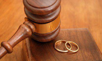 عشق مرد میانسال باعث بیهوشی همسرش شد