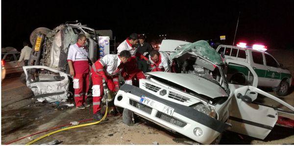 تصادف 2 خودرو درمحورآشخانه به جنگل گلستان 3 کشته داشت