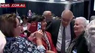 فیلم/ تخم مرغ پرتاب کردن یک زن استرالیایی به سمت نخست وزیر کشورش!