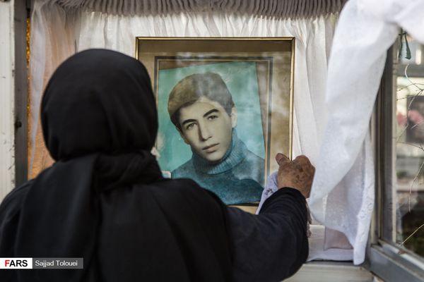 غبار روبی مزار شهدا +گزارش تصویری
