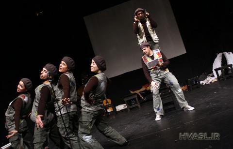 تئاتر کشور میزبان نمایشی دیگر از کارگردانِ هتاکِ عاشورا شد!