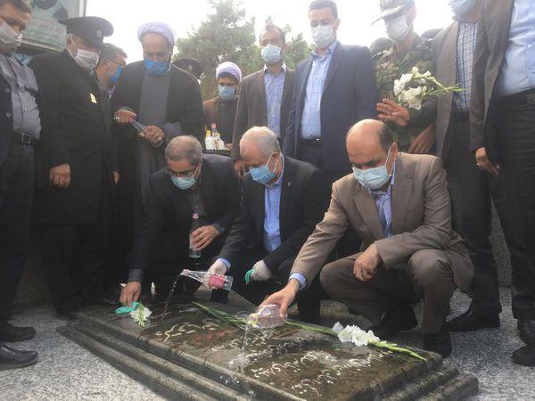 رییس بنیاد شهید به مقام شهدای گلستان ادای احترام کرد
