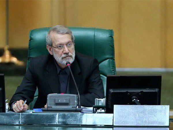 لاریجانی: مابهالتفاوت حاصل افزایش قیمت بنزین سریعتر به حساب مردم واریز شود