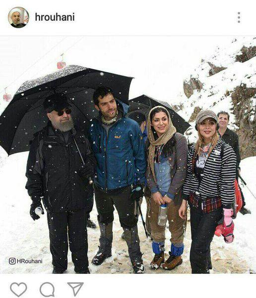 عکس حسن روحانی با دختران کوهنورد