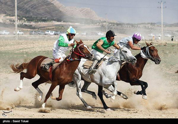 هفته چهارم مسابقات اسبدوانی کورس بهاره گنبدکاووس برگزار شد