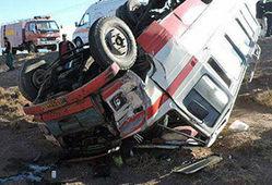۱۱ مصدوم در حادثه واژگونی مینی بوس