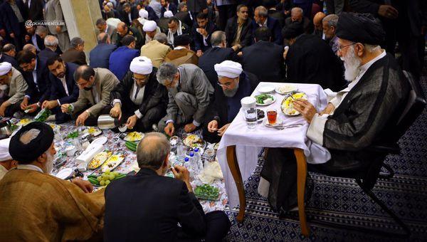 افطاری ساده در کلام مقام معظم رهبری