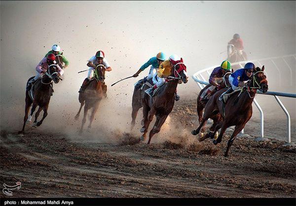 گلستان مسابقات اسبدوانی کورس پائیزه کشور در آق قلا آغاز شد