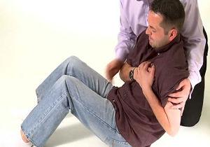 درد بازوی چپ چه وقت نشان دهنده مشکل قلبی است؟