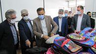 اهدای ۵۰۰ بسته لوازم التحریر توسط نیکوکار آزادشهری به دانش آموزان نیازمند