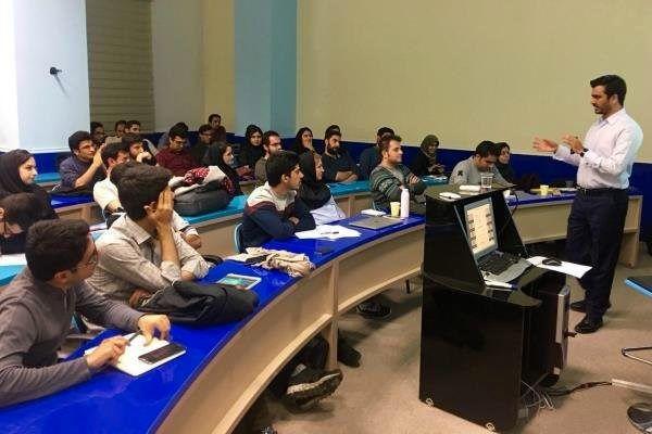 برگزاری 25 هزار کلاس درسی در دانشگاههای آزاد استان گلستان